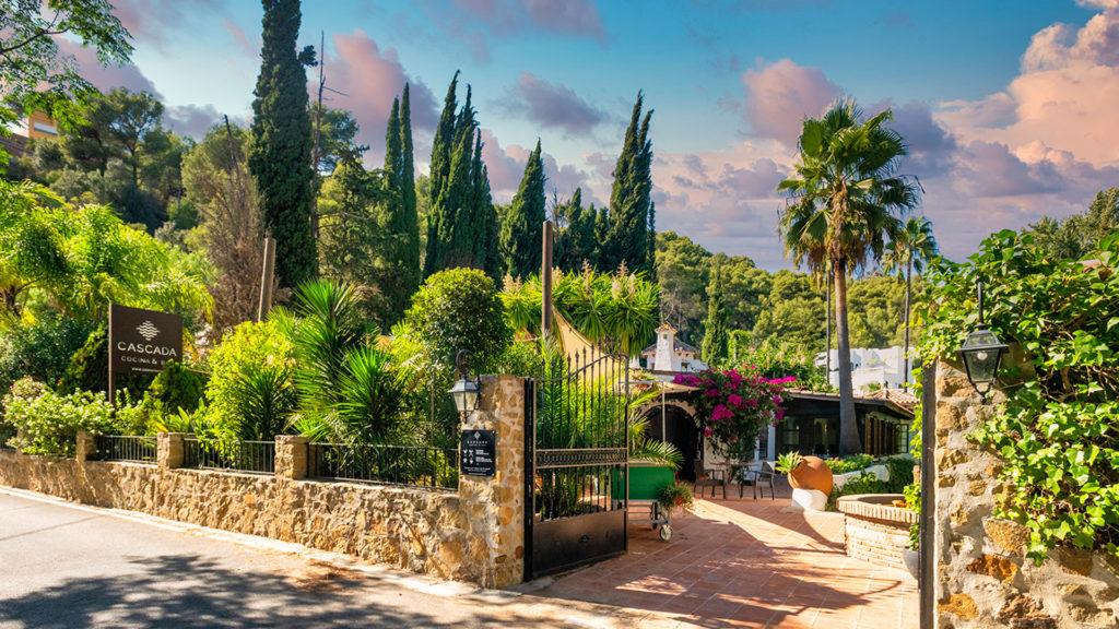Cascada-Marbella-Oasis-Entrance